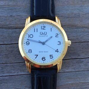 Q&Q Quartz Men's Watch water resistant